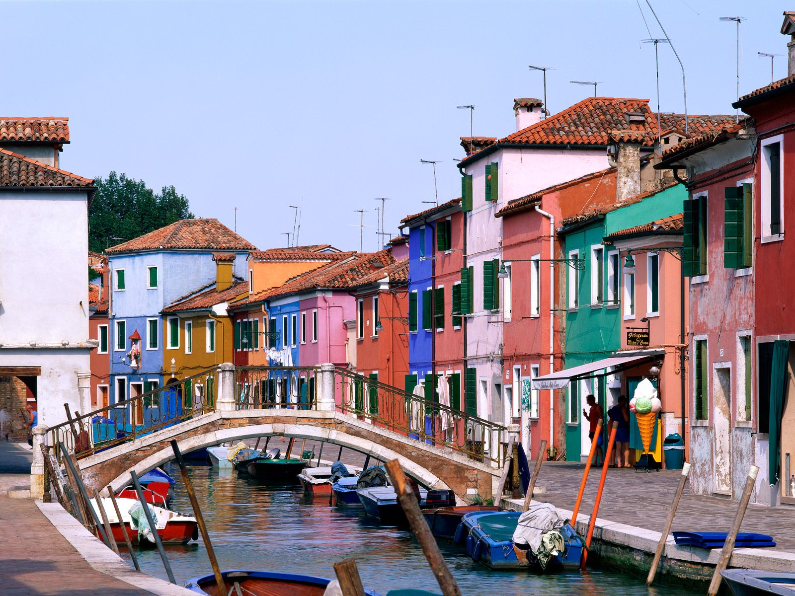 Burano certainly seems to an outsider like a cheerful place to live or