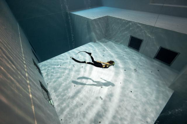 Nemo 33 The Deepest Diving Pool In The World